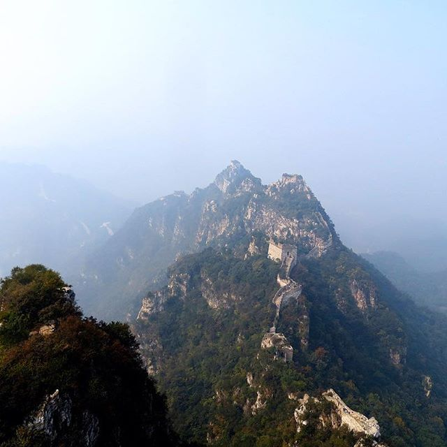 Climbing the Great Wall of China 🇨🇳 seems like a long time ago now. Blessed. ⛰#china #greatwallofchina #travel #travelpics #clouds #beautiful #mountains #landscape #amazing #instalike #instagram #instagood #instacool #backpacker #likeforfollow #like4like #calm #peace #exploreeverything #explore #followme #wanderlust #incredible #nofilter #life #photography #picoftheday #wonderoftheworld @beautifuldestinations